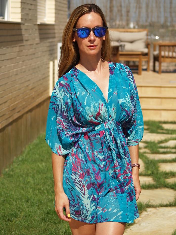 http://www.chicfy.com/vestido-kaftan/vestido-kaftan-tela-vaporosa-con