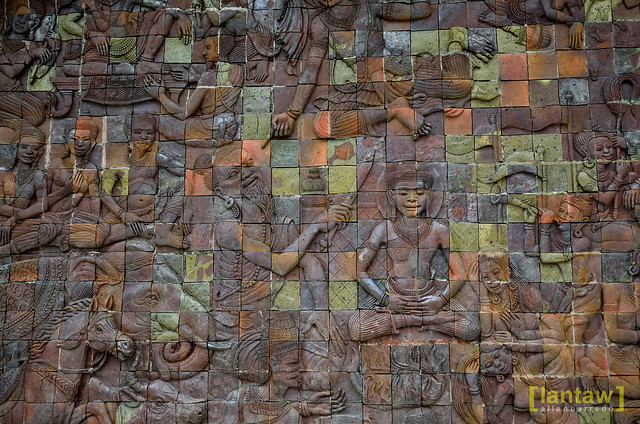 Bas relief at King Pagoda
