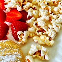 Who knew popcorn, strawberries & tahini cookies make such a great snack? #learning2 #l2africa