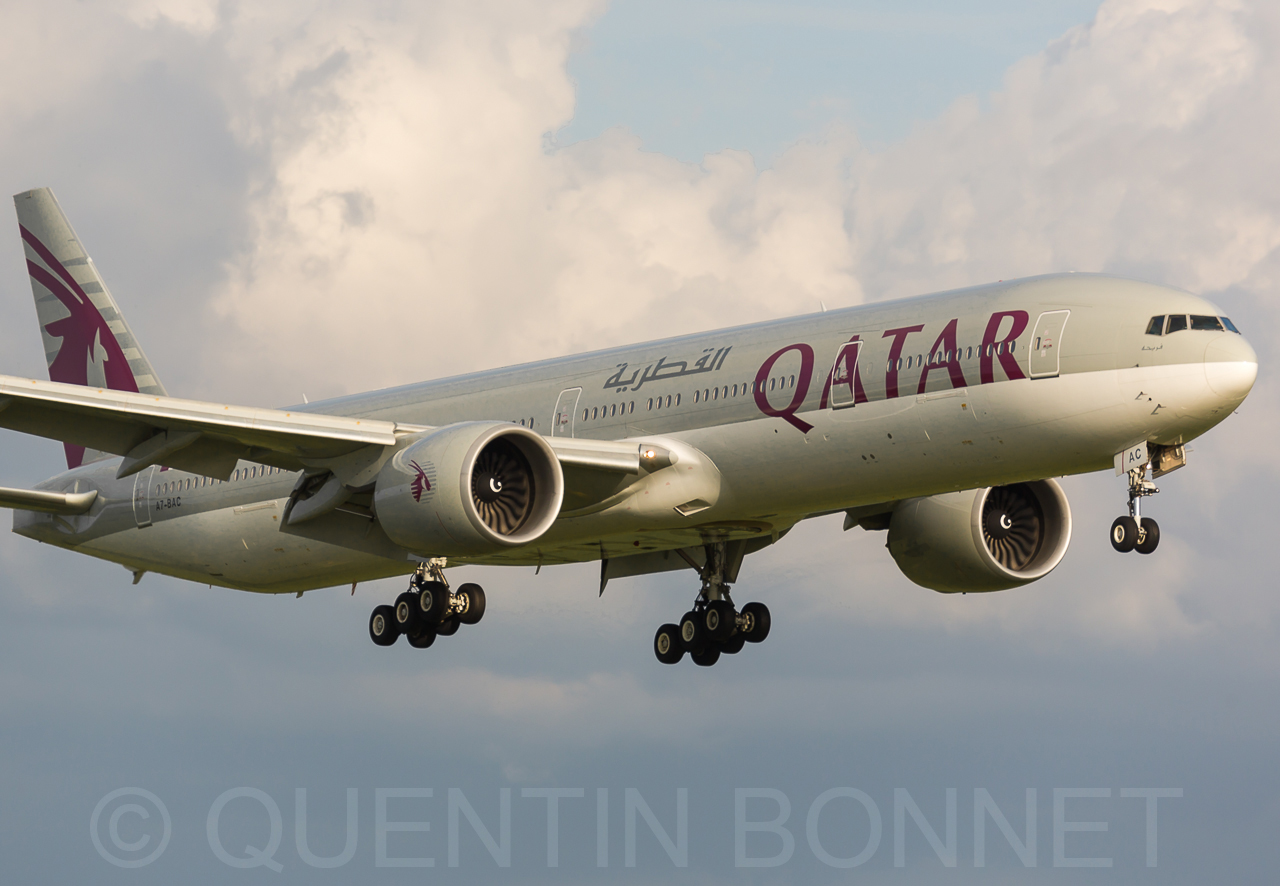 Qatar Airways 777-3DZ/ER A7-BAC