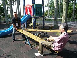 緊湊嚴肅的參訪行程外,來段自娛娛人吧。左為天津電視台的高志峰,右為中華新聞人傳播協會的王鎮中老師