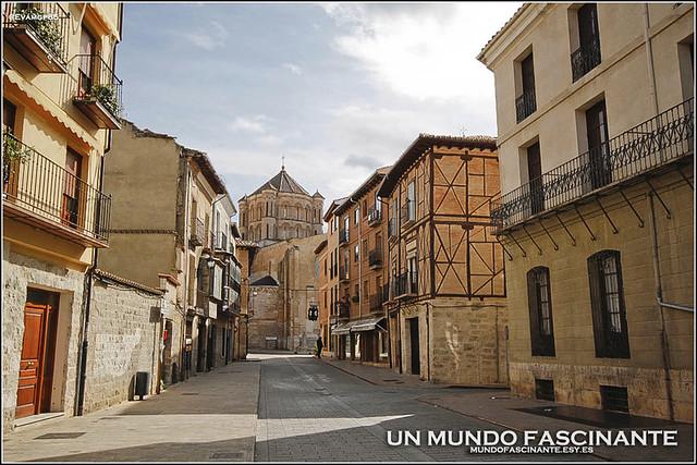 Calle del Mercado, Toro. Colegiata de Santa María la Mayor.