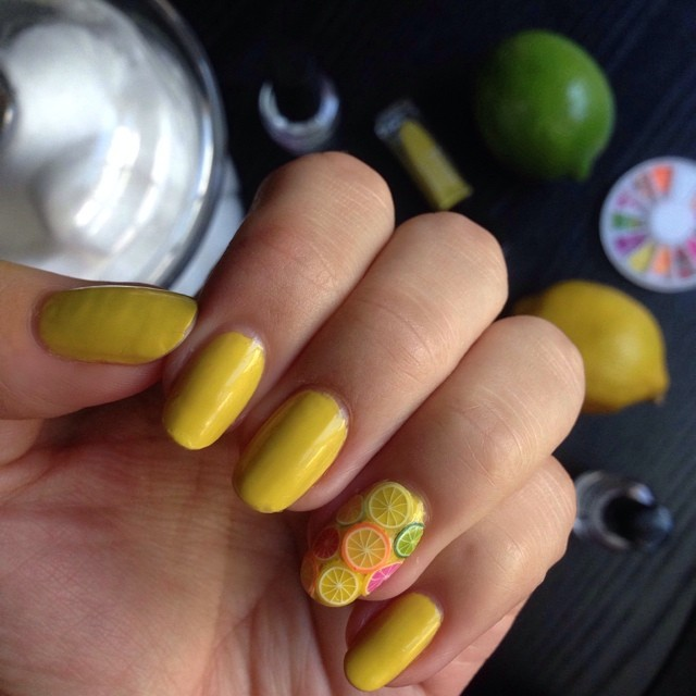 When life gives you lemons, give yourself a citrus-filled manicure. #notd #liketkit www.liketk.it/5j1G @liketkit
