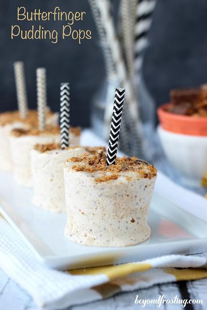 Butterfinger Pudding Pops | beyondfrosting.com