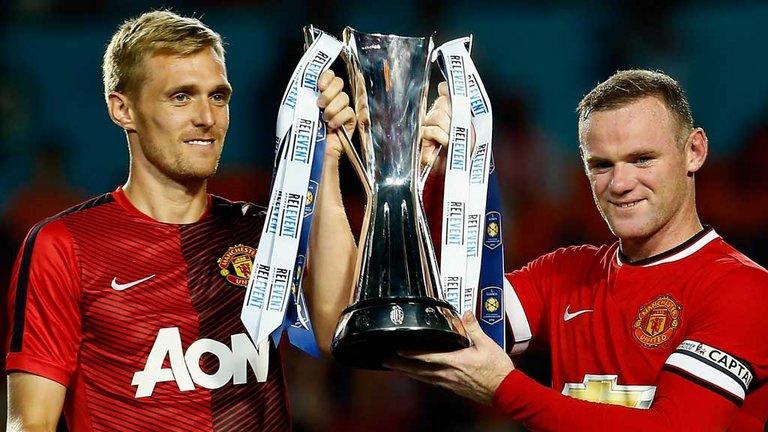 140805_ENG_Wayne_Rooney_Darren_Fletcher_Manchester_United