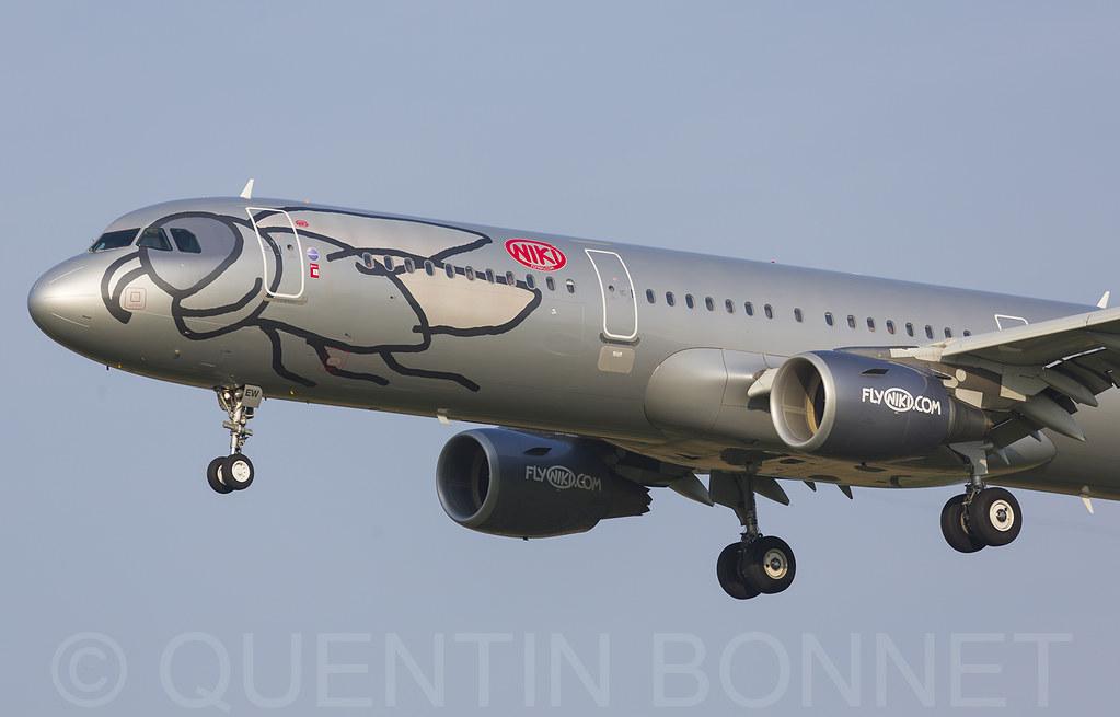 Niki Airbus A321-211 OE-LEW