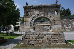 """Memorial de Santo António dos Burgos ou """"Moimento"""" da Rainha Santa em Santa Eulália, Arouca"""