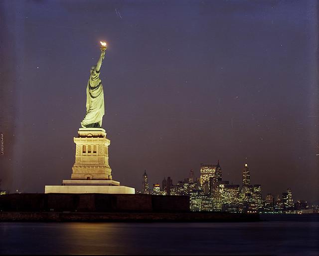 statue of liberty night - photo #41