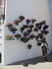 Cordoba, Spain: Patio Festival Tribute Sculpture byJosé Manuel Belmonte