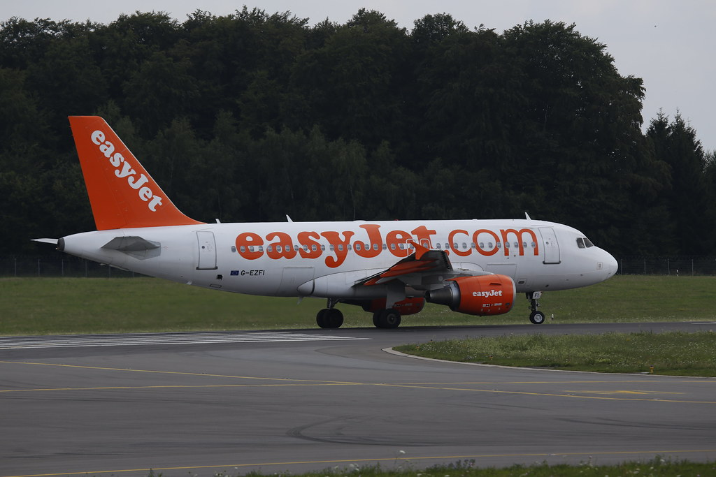Easyjet A319 (G-EZFI) in Luxembourg