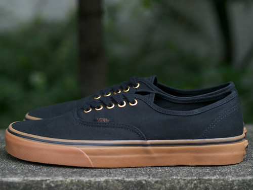 Vans / Authentic - Black/Rubber