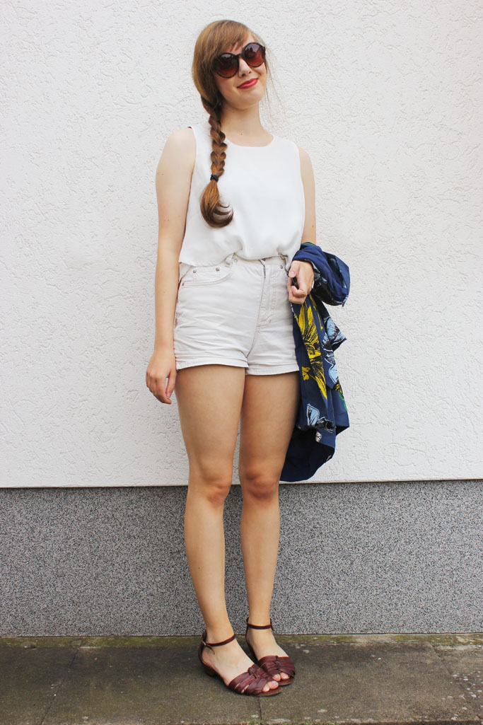 Pure white look Zara blogger - vintage sandals - vintage shorts inspiration outfit blogger - deutscher modeblog retro mode vintage fashion