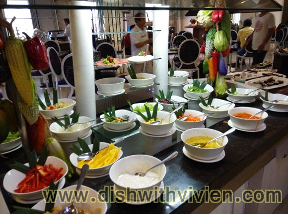 Indonesia9-hotel breakfast buffet