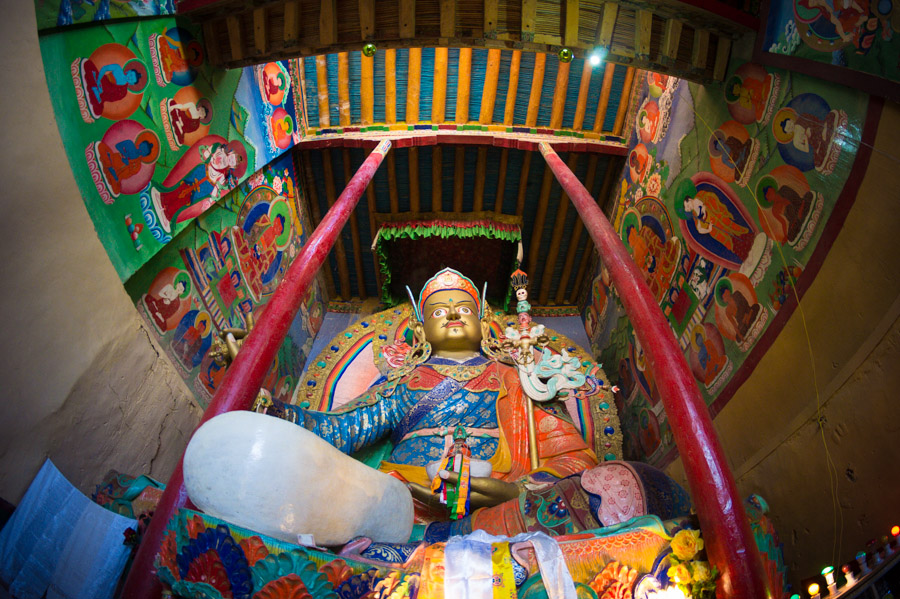 Гуру Римпонче смотрит на тебя! Монастыри Ладакха (Монастыри малого Тибета) © Kartzon Dream - авторские путешествия, авторские туры в Ладакх, тревел фото, тревел видео, фототуры