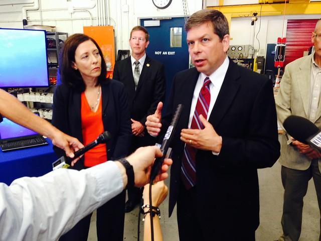 Senator Begich visits NOAA