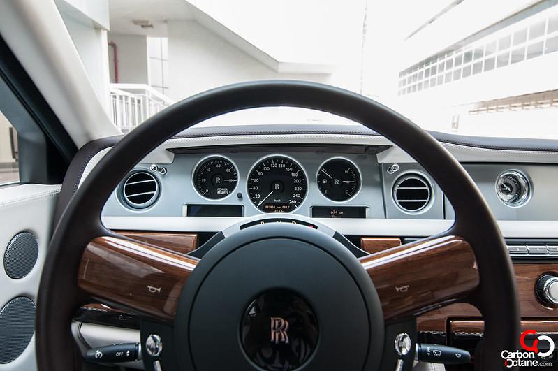 rollsroyce-phantom-steering-wheel