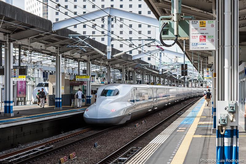 Serie N700 en Okayama