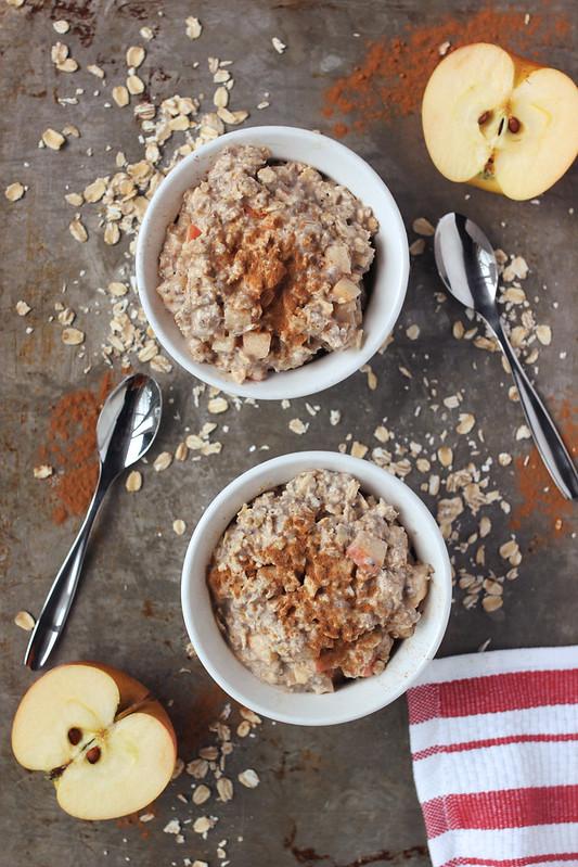 Apple Cinnamon Overnight Oats {gluten-free & vegan}