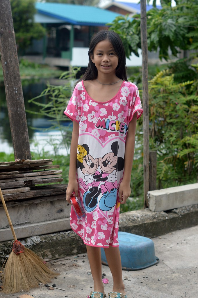 ... very pretty preteen girl | by the foreign photographer - ฝรั่งถ่
