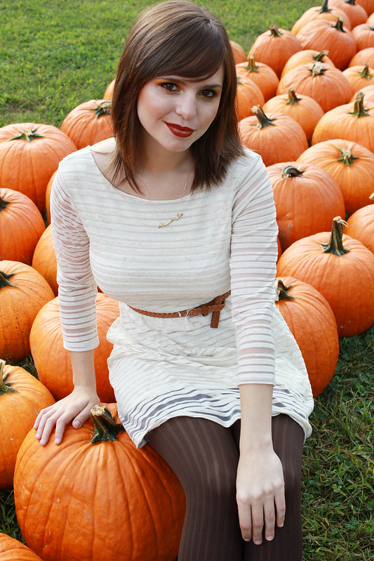 pumpkin patch, pumpkins, autumn makeup, autumn, pumpkin picking outfit, pumpkin picking, autumn fashion