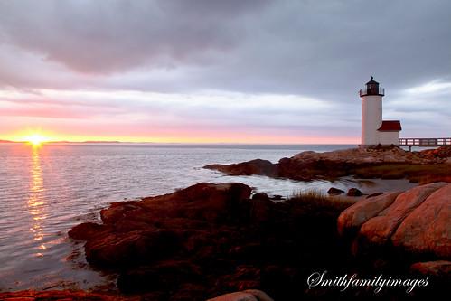 new sunset england lighthouse water massachusetts north shore annisquam beacheslandscapes