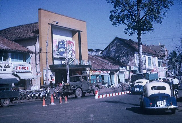 SAIGON 1965 by Ken Kraft - Rạp Casino Dakao