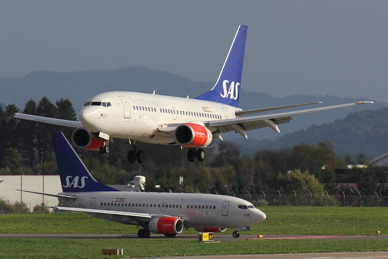 SAS - B736 - LN-RPS (1)