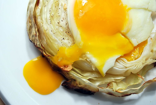 Garlic Grilled Cabbage with Sunny Side Up Egg-001