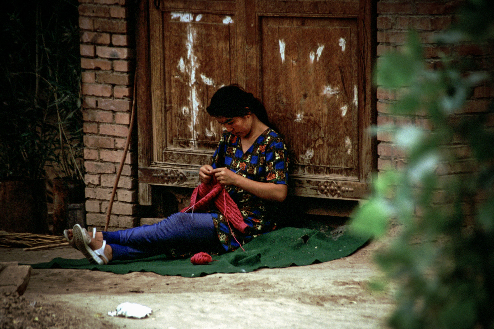 Turpan - Province du Xinjiang - La tricoteuse