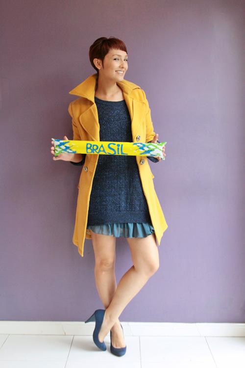 Look da Copa: casaco amarelo