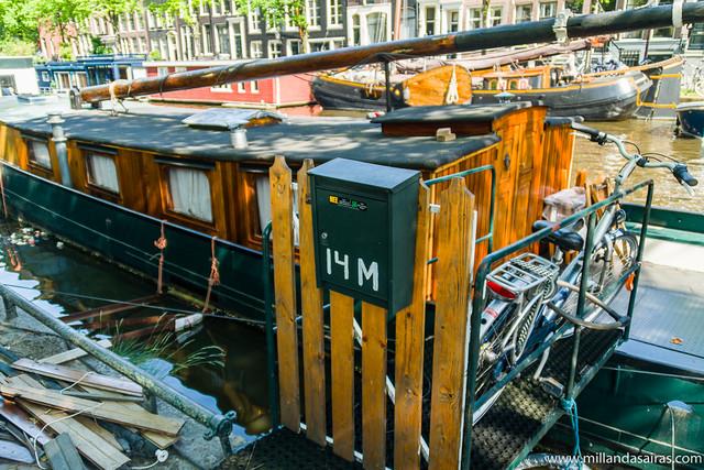 Casa flotante en el canal Prinsengracht