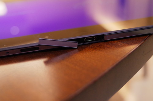 Xperia™ Z2 Tablet 02
