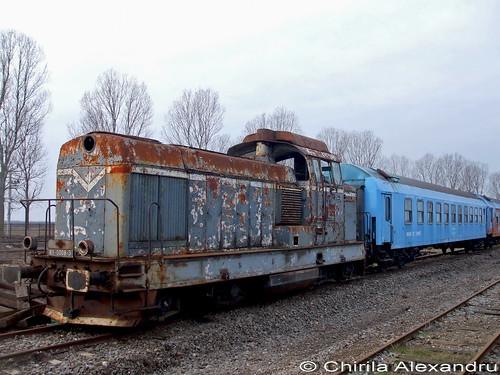 old rail railway trains romania cfr fetesti unifertrans ldh1250