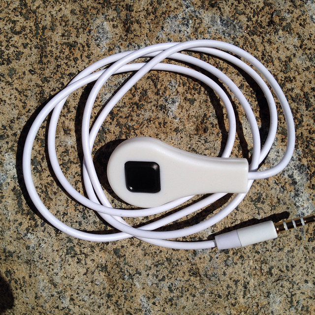 Wired Remote Shutter Release Cord for iPhones / iPads / iPods