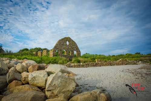 Scarborough Beach Ruins. Narragansett, RI by Fire In The Eye Photography, via I {heart} Rhody
