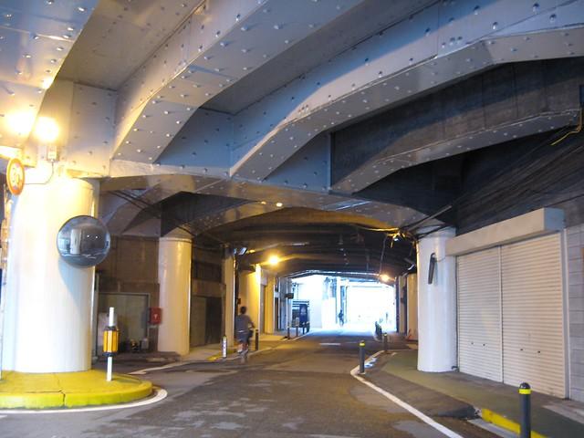大阪 中津高架下建築 (7)