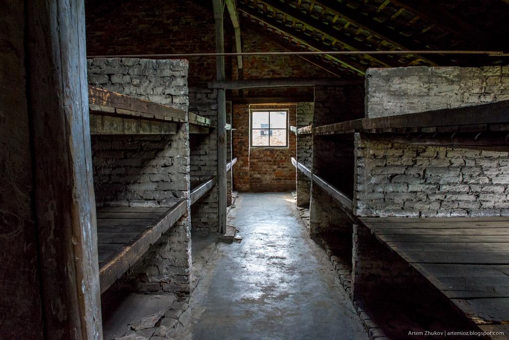 Auschwitz II–Birkenau-15.jpg