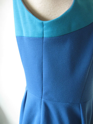 Color block Side seam view