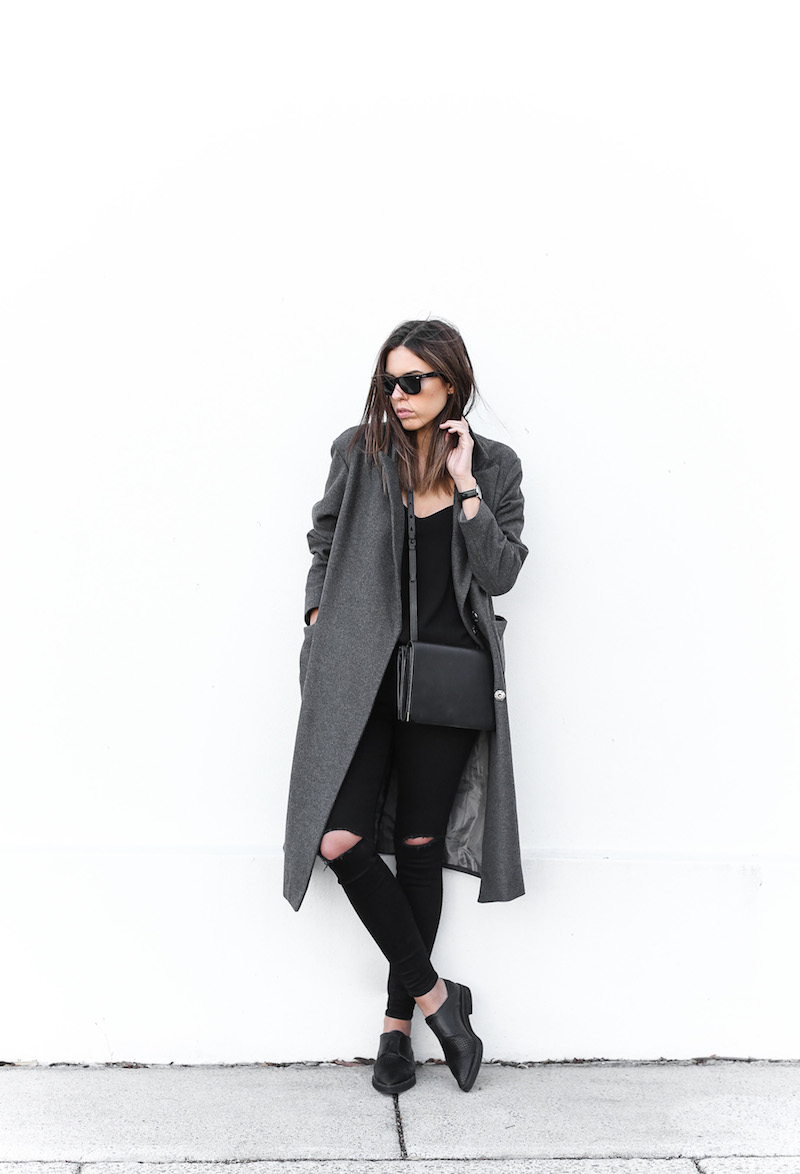 modern legacy fashion blog Australia street style off duty ASOS long grey oversized coat Lee ripped knee black skinny jeans Helmut Lang oxfords Alexander Wang Prisma bag (3 of 13)