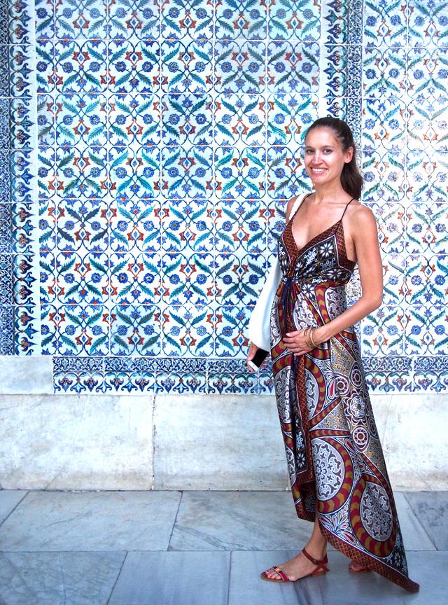 travel style maxi dress topkapi palace istanbul 8