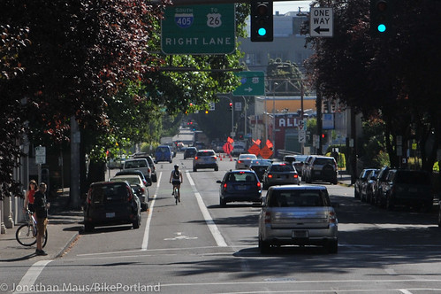 new buffered bike lane NE Everett-24