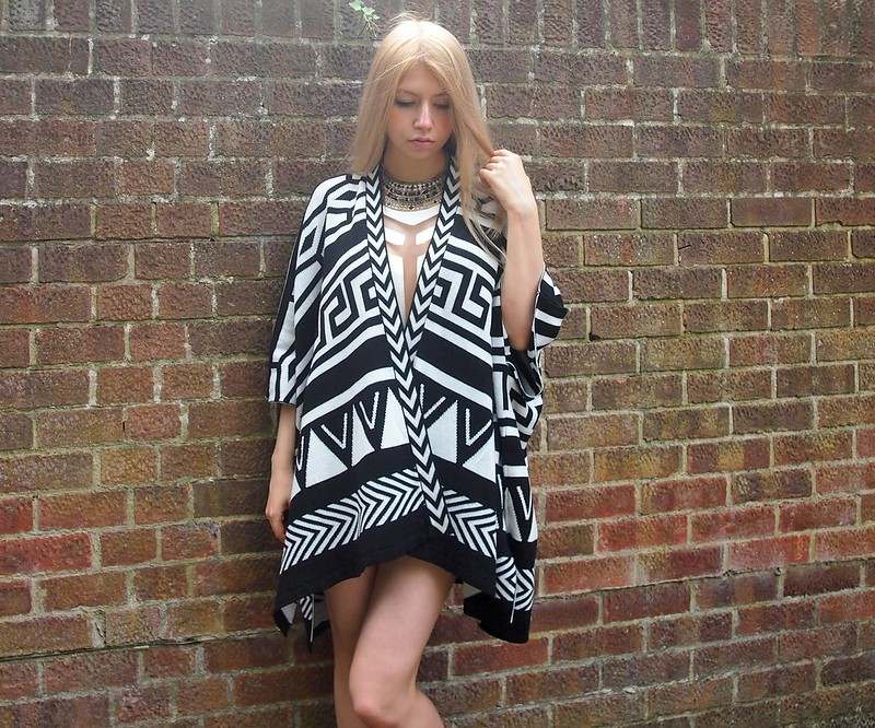 Burberry, Blanket Cape, Dupe, Graphic Print, Aztec, Greek, Monochrome, Primark, Missguided Mesh Panel Playsuit, Danasha, Cut-Out, White, Collar Necklace, How to Wear, SS14, AW14, Styling Inspiration, Outfit Ideas, Sam Muses, UK Fashion Blog, London Style Blogger