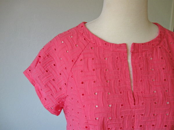 eyelet top closeup