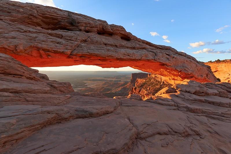 Light up Mesa Arch - Canyonlands National Park