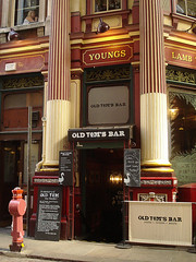 Picture of Old Tom's Bar, EC3V 1LR