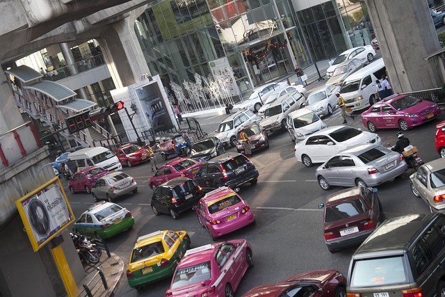 Bangkok traffic (photo by Zhang Song Guan)