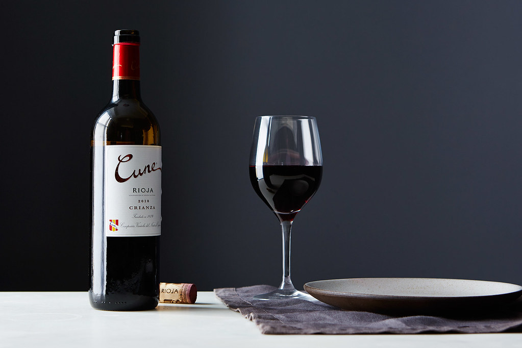 Why Red Wine Gives Us Headaches (& How to Avoid Them) (food52.com)
