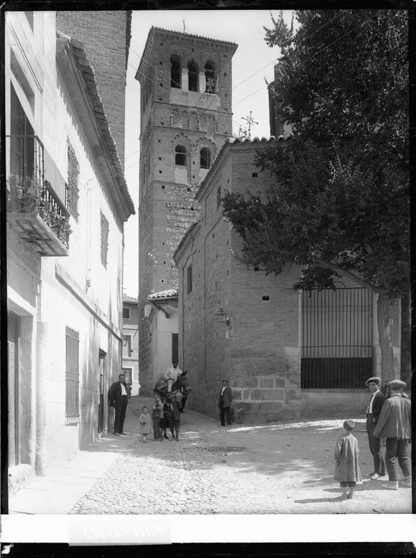 Iglesia de Santo Tomé a comienzos del siglo XX. Fotografía de J. Lacoste © MECD, Fototeca del IPCE, signatura VN-22656_P