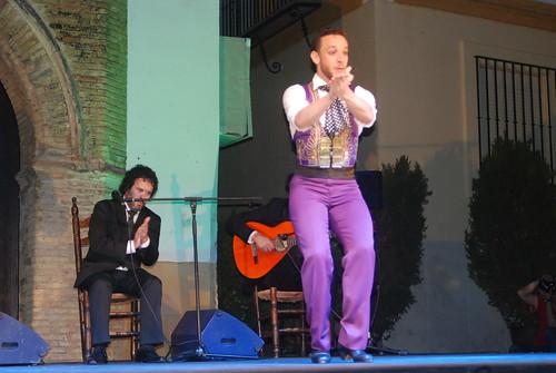 AionSur 14285401390_b2b4854a59_d La voz de 'Macanita' y el baile de Manuel Liñán templan con brillantez el fresco de la quinta noche de Al gurugú Flamenco