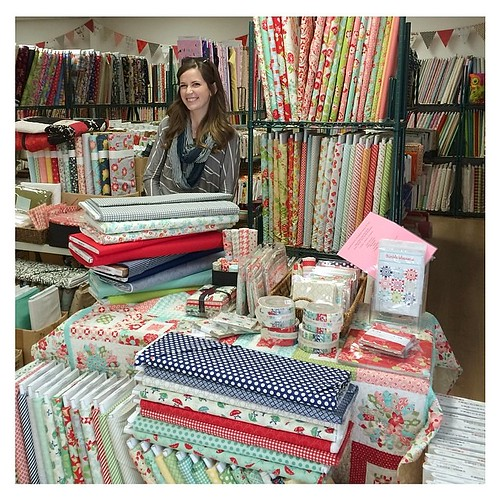 A little crazy to see our fabric all the way in Australia! (Look @bonniecottonway!) Having a wonderful time with @fifisfabricology and so excited to teach tomorrow. #quiltabout #redletteraustralia